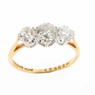 MS1056 Diamond Three Stone Ring