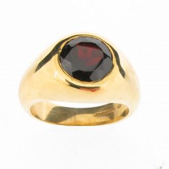 MS3756 18ct Gold Garnet Signet Ring