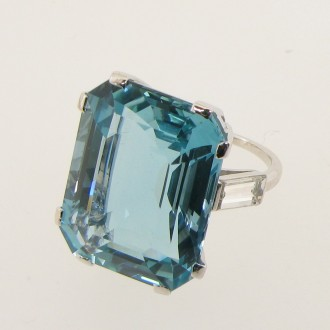MS5794 18ct Aquamarine Ring