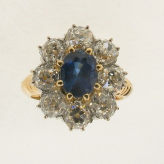 MS5905 Sapphire & Diamond Cluster Ring