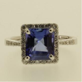 MS6696 Tanzanite & Diamond Ring