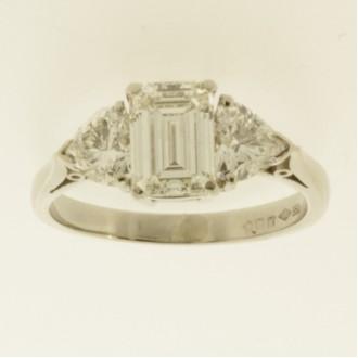 MS6856 Diamond Three Stone Ring