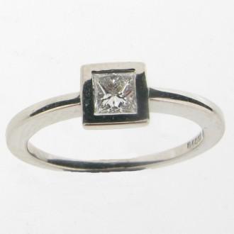 RD0108 Platinum Diamond solitaire