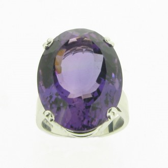 RM0083 18ct Amethyst Ring