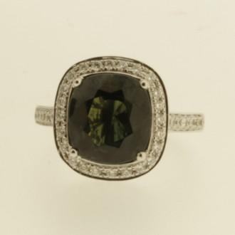 RS0083 18ct Green Sapphire & Diamond Ring
