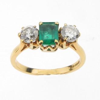 MS0826 Emerald & Diamond Ring