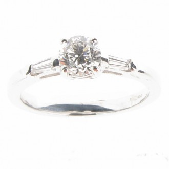 RD0289 Diamond Ring
