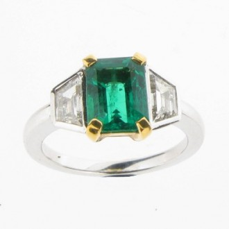RE0007 Emerald & Diamond Three Stone Ring